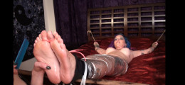 Delicious foot tickles