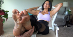 Goddess zephy dirty feet 2