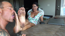 Goddess zephy dirty feet