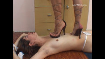 Cristina trample with high sandal heels(450mb)